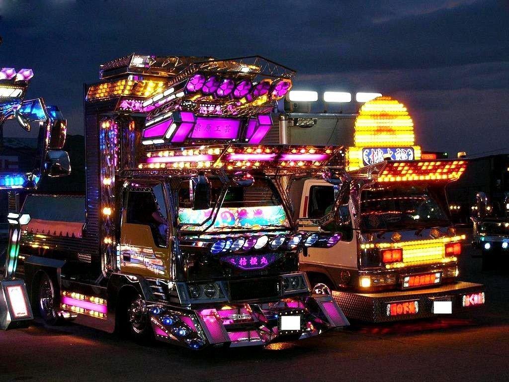 1 - کامیون های عجیب