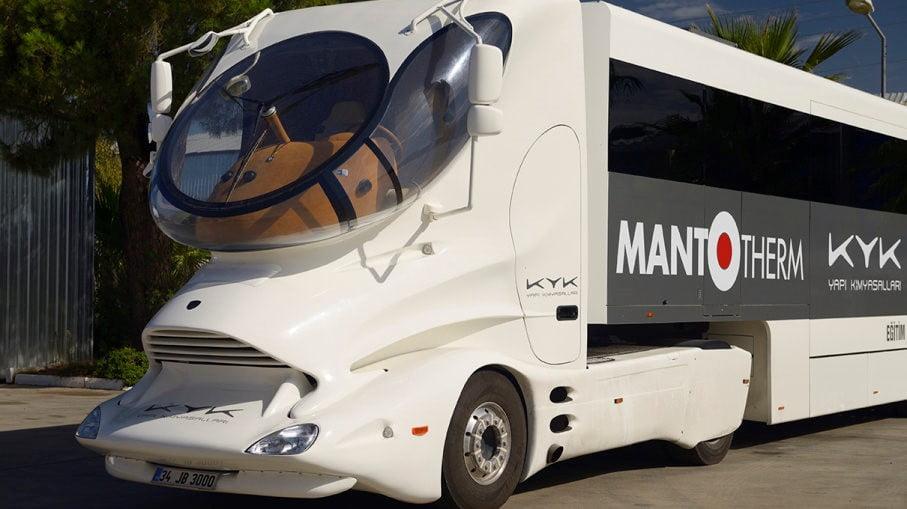 صنعت حمل و نقل به تدریج کامیونهای خودران را میپذیرد.