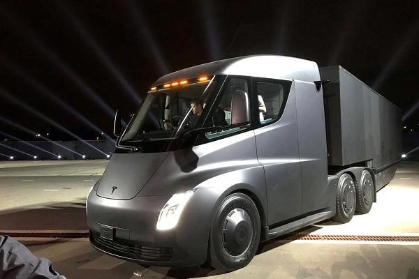 تسلا - کامیون جدید تسلا پر است از اولینها!