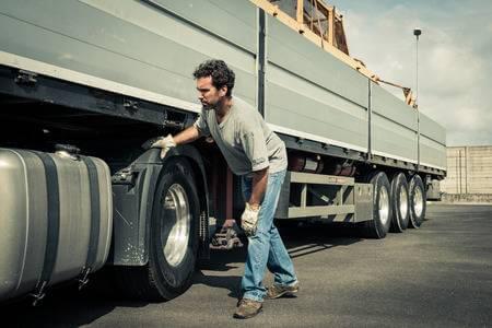 رانندگان خودروهای سنگین با چه مشکلاتی مواجه هستند؟