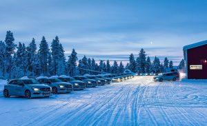 22 300x183 - با سردترین جادههای دنیا آشنا شوید