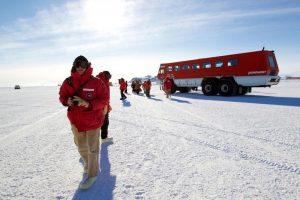 44 300x200 - با سردترین جادههای دنیا آشنا شوید