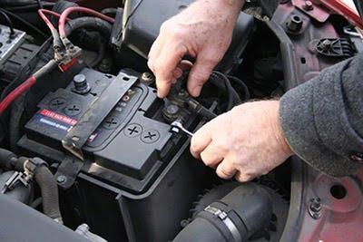 Car Battery replacement - چگونه از خالی شدن باتری جلوگیری کنیم؟