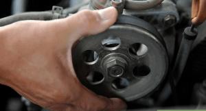 4 300x162 - چگونه تسمههای خودرو را چک کنیم؟