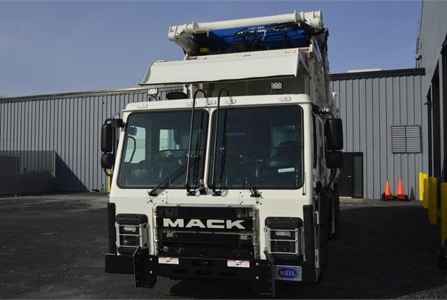 کامیون ماک LR