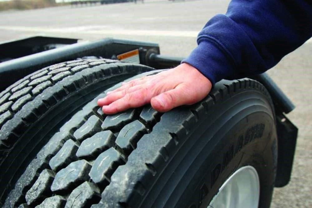 چرا رانندگان باید اهمیت مراقبت از تایرها را درک کنند؟