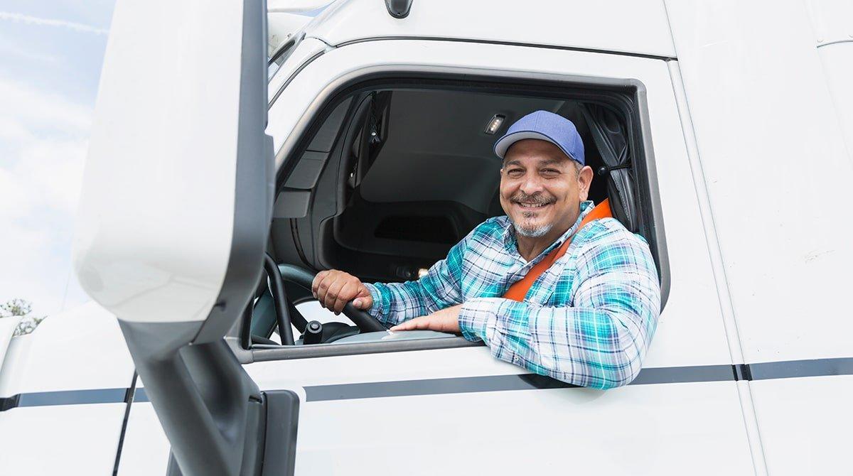 مراحل لازم برای اشتغال به عنوان راننده حرفه ای در حمل و نقل بار