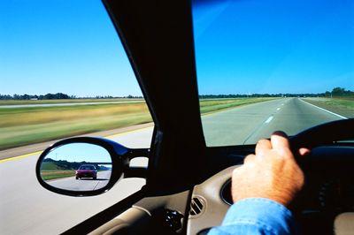 .jpg - عادتهای بد رانندگی چه چیزهایی هستند و رانندگان به چه نکاتی باید توجه داشته باشند؟