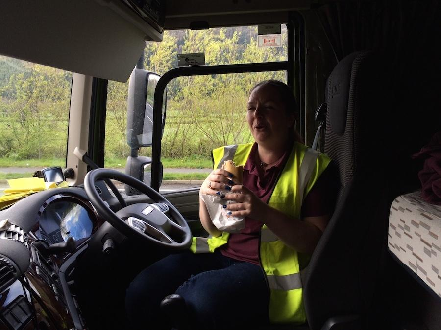 i spent 24 hours with a female truck driver 178 body image 1431439282 - چه چیزهای را بخوریم و چه چیزهایی را حذف کنیم؟