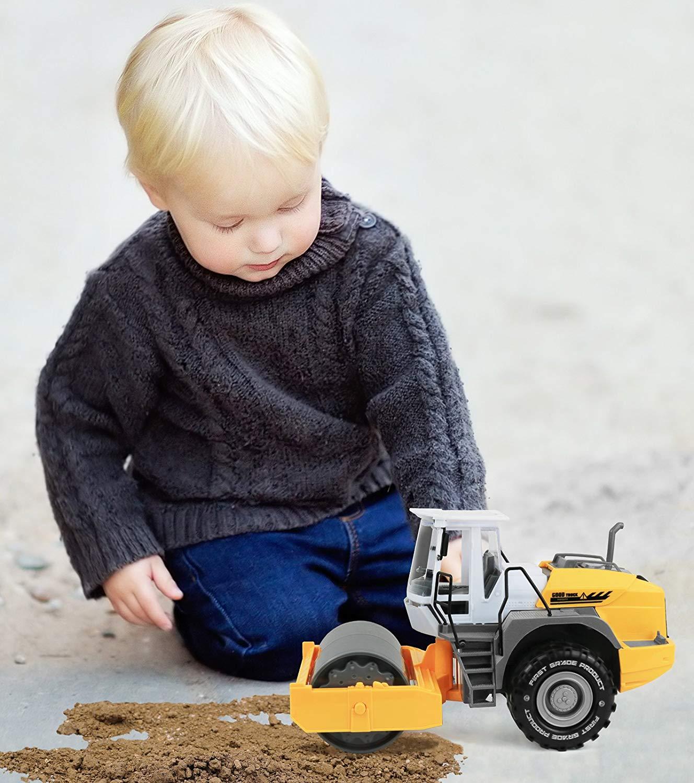 دلیل علاقه کودکان به کامیون؟