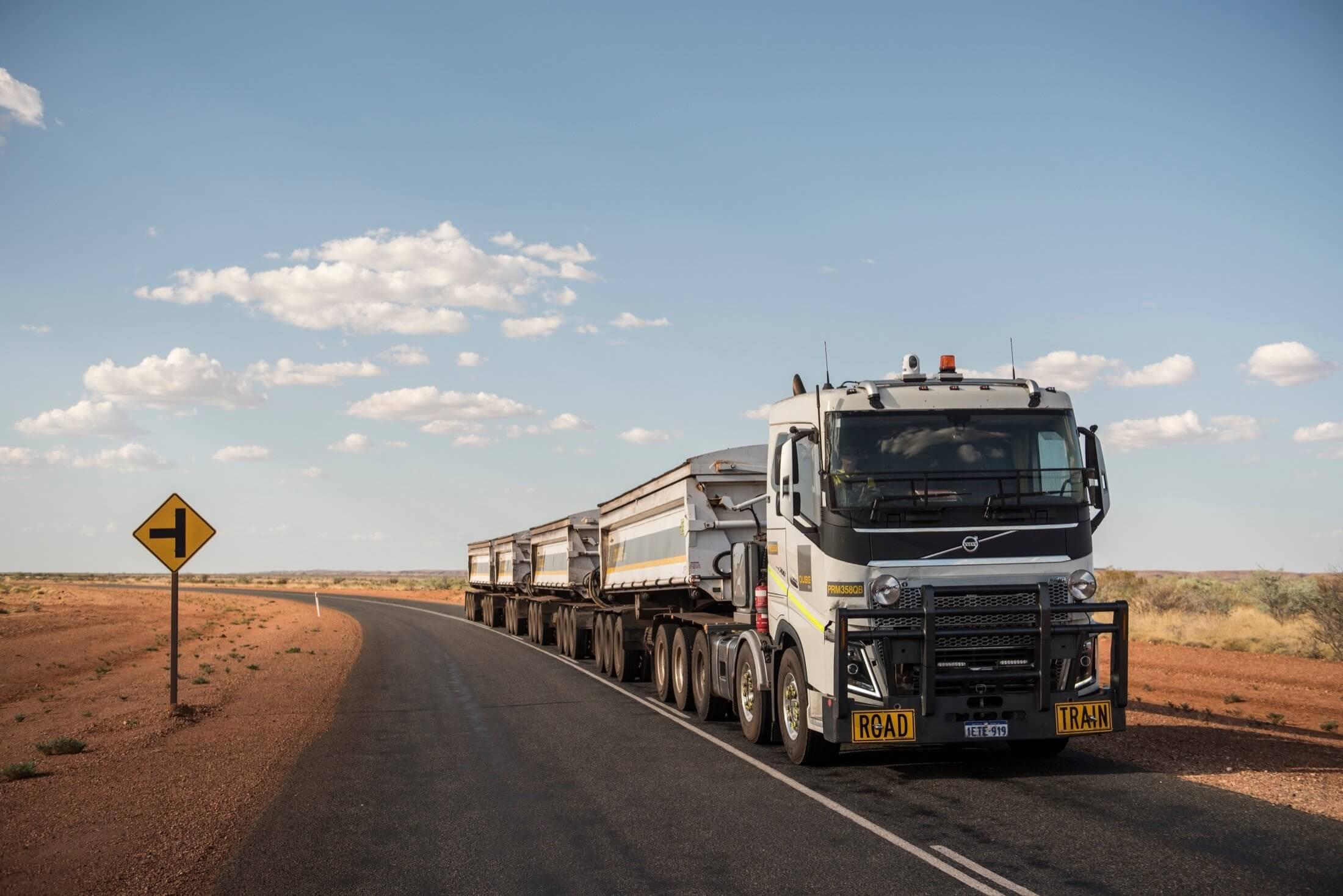 خواب کامیونها در بندرعباس به یک ماه افزایش پیدا کرد