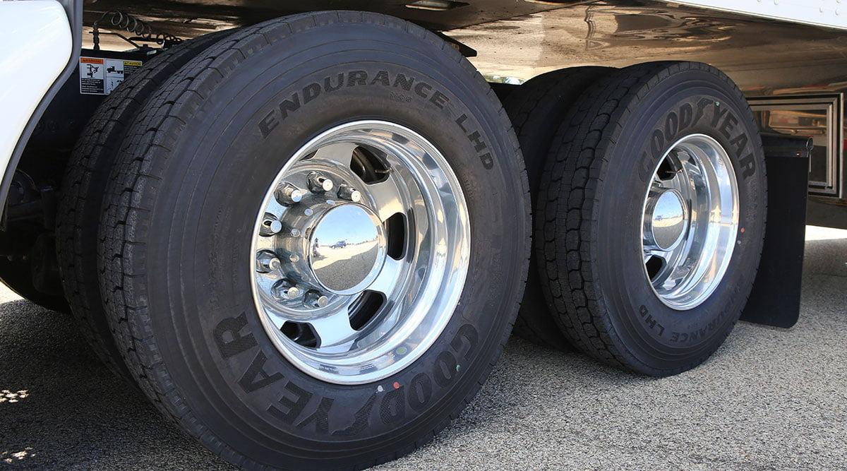 نکات مهم برای نگهداری تایر کامیون ها